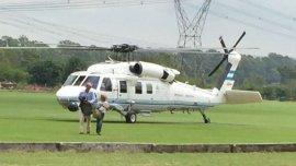 La imagen de Guillermo Dietrich al bajar del helicóptero presidencial en un country de Pilar