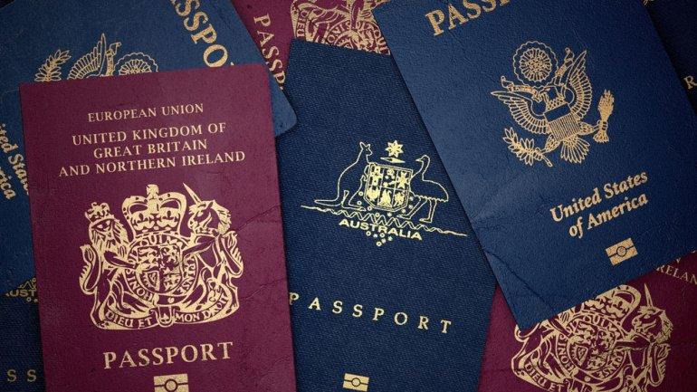 Los colores de los pasaportes de cada país tienen un significado especial.