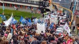 Los gremios rechazan la reforma previsional impulsada por la gobernadora del FpV, Rosana Bertone