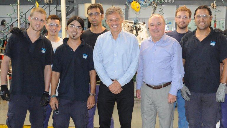 El ministro de Producción visitó la planta de MABE que presideAbel Burgos