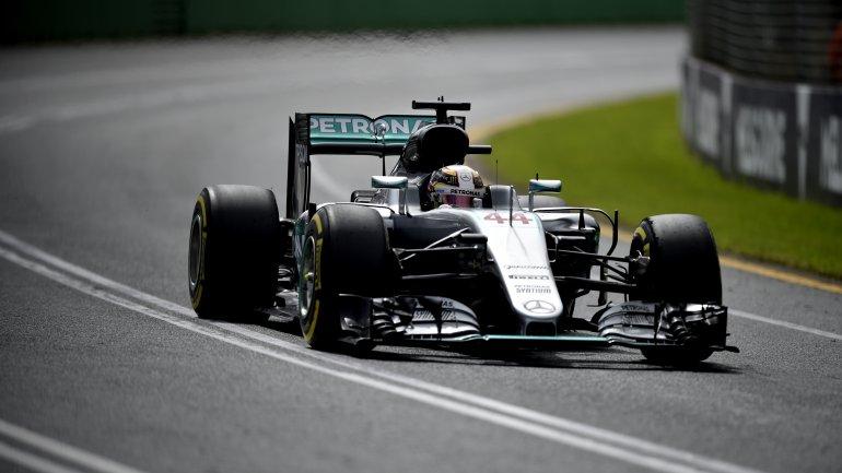 El piloto británico continúa dominando la F1