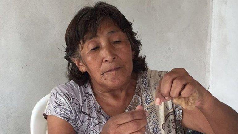 Antonia Purificación Gutiérrez confeccionó la manta de vicuña que recibirá Michelle Obama