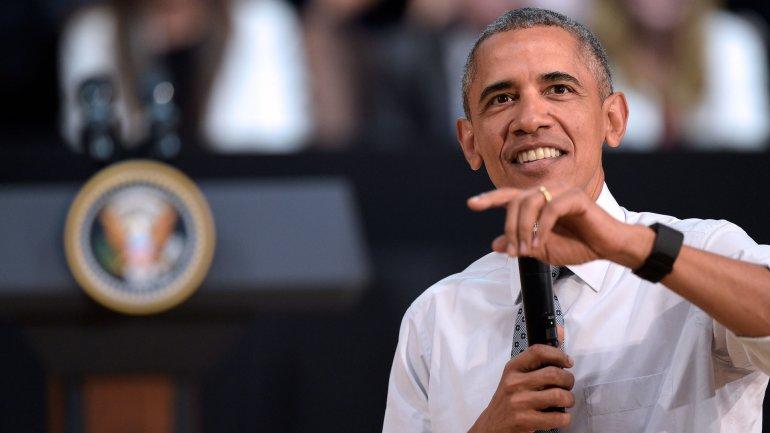 Obama se arremangó y mostró su reloj en la Usina de Arte