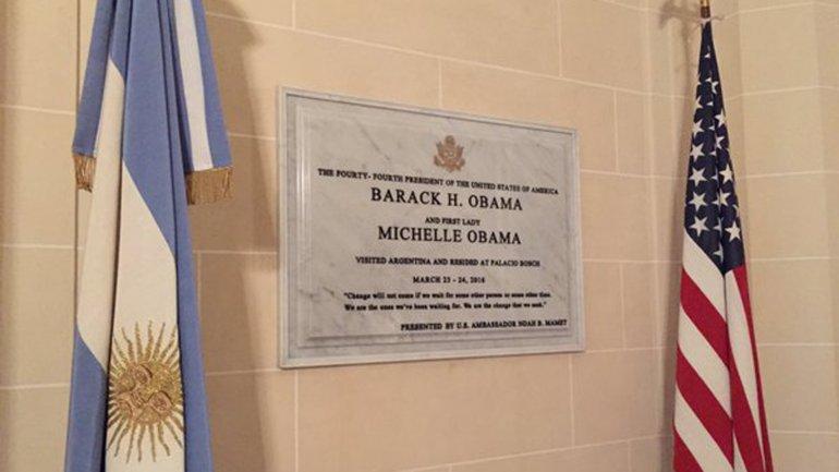 La placa se encuentra en el Palacio Bosch