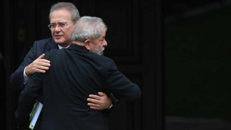 El presidente del Senado de Brasil y el ex presidente, ambos investigados por corrupción