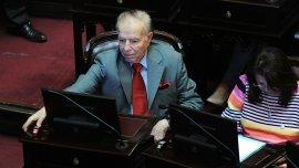 Carlos Menem hoy, en la sesión del Senado por el acuerdo con los holdouts