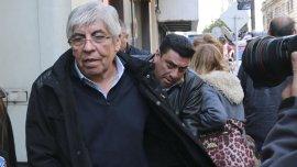 Hugo Moyano en la sede de la AFA