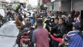 Después de los disturbios que generó la campaña contra los manteros se redujo drásticamente la venta ilegal