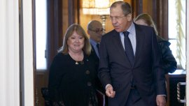 La canciller Susana Malcorra con su par ruso,Serguei Lavrov, en Moscú