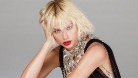 La cantante Taylor Swift en su última producción para la revista Vogue, platinada