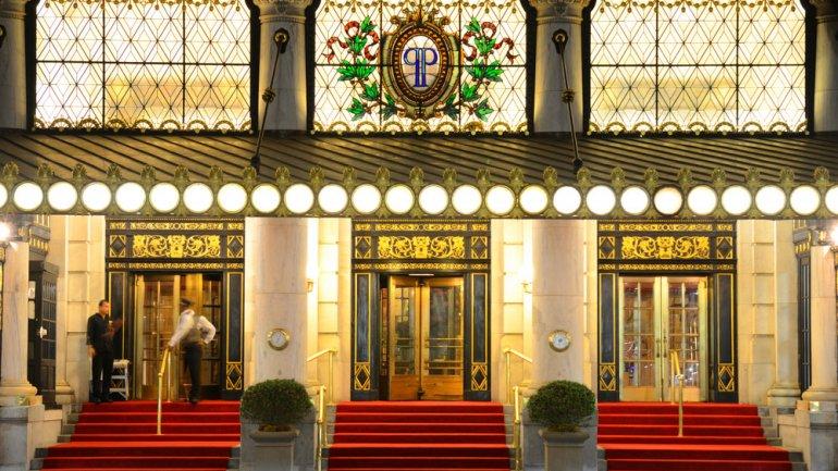 El Hotel Plaza de Nueva York, es una joya arquitectónica que acogió a reyes, presidentes y estrellas del cine.