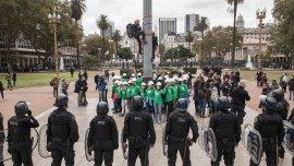 35 activistas de Greenpeace detenidos en la Plaza de Mayo