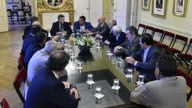 La reunión de Macri con los gremios terminó de manera tensa