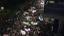 La multitudinaria marcha de estudiantes y gremios