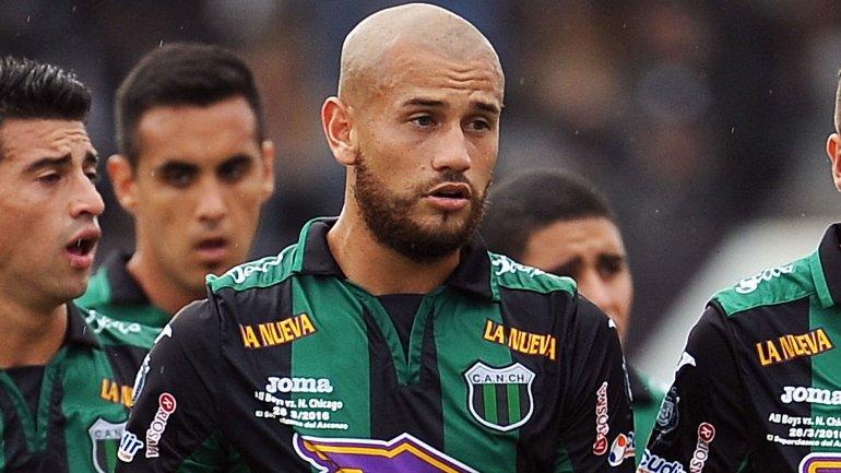 Rodrigo Espíndola, futbolista del Club Atlético Nueva Chicago, fue víctima de un robo en el que recibió un disparo en el tórax