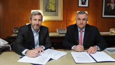 Rogelio Frigerio y Gerardo Morales firman el convenio
