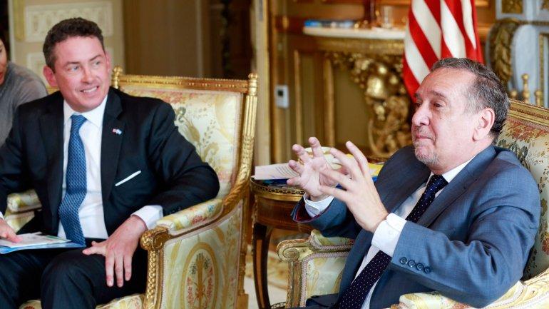 El embajador Noah Mamet junto al ministro Lino Barañao