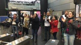 Los trabajadores piden la reincorporación de 280 despedidos