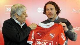 Milito fue presentado como DT de Independiente junto a Hugo Moyano