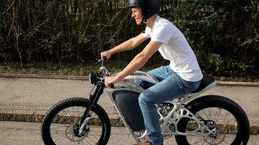La moto tiene una autonomía de 60 kilómetros