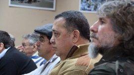 El ex vicepresidente Amado Boudou se mostró junto a Luis DElía y el jefe de Quebracho, Fernando Esteche, en el acto en el Centro Cultural y Popular Néstor Kirchner, que está ubicado en Plaza Once. Fue un acto para poner en marcha la Mesa Nacional del Partido MILES que fundó el piquetero kirchnerista.