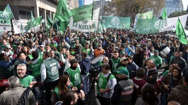 La manifestación frente al Ministerio de Economía