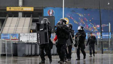 Simulacros antiterroristas en los estadios de la Eurocopa 2016