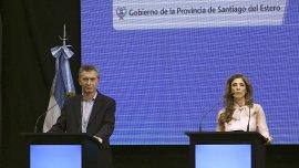 Mauricio Macri y la gobernadora Claudia Abdala de Zamora se mostraron juntos hoy en el centro de convenciones de Santiago del Estero.