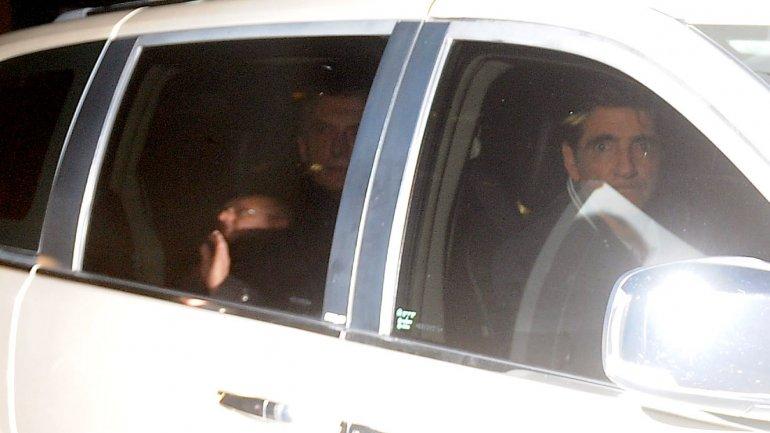 El presidente Mauricio Macri sale de la Clínica Olivos