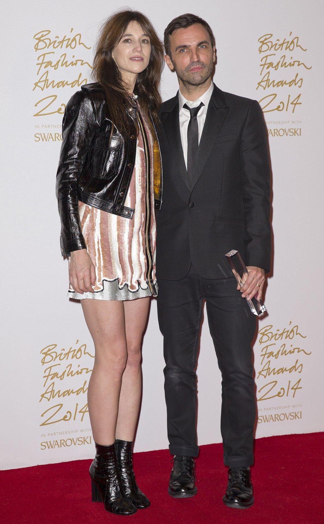 Nicolas Ghesquiere y Charlotte Gainsbourg