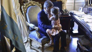 Con estas fotos Macri continúa difundiendo imágenes informales. La semana pasada el protagonista había sido Balcarce, su perro