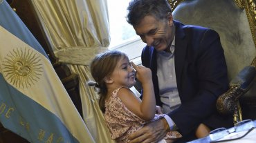 En su Facebook Macri posteó las fotos junto a su hija bajo el título La visita más linda