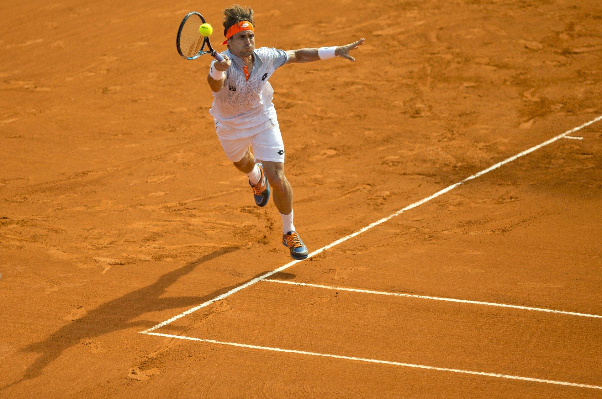 El español David Ferrer durante su partido ante el argentino Renzo Olivo en el Argentina Open