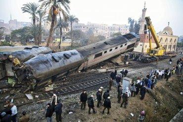 Al menos 70 personas resultaron heridas al volcar un tren en la provincia egipcia de Beni Suef