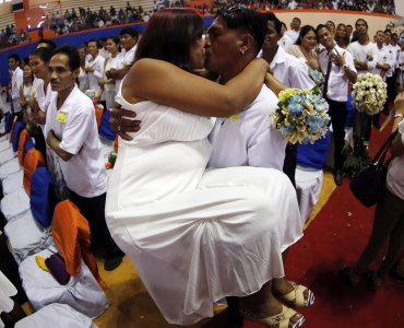 Muchas parejas eligieron San Valentín para unirse en matrimonio en Filipinas.