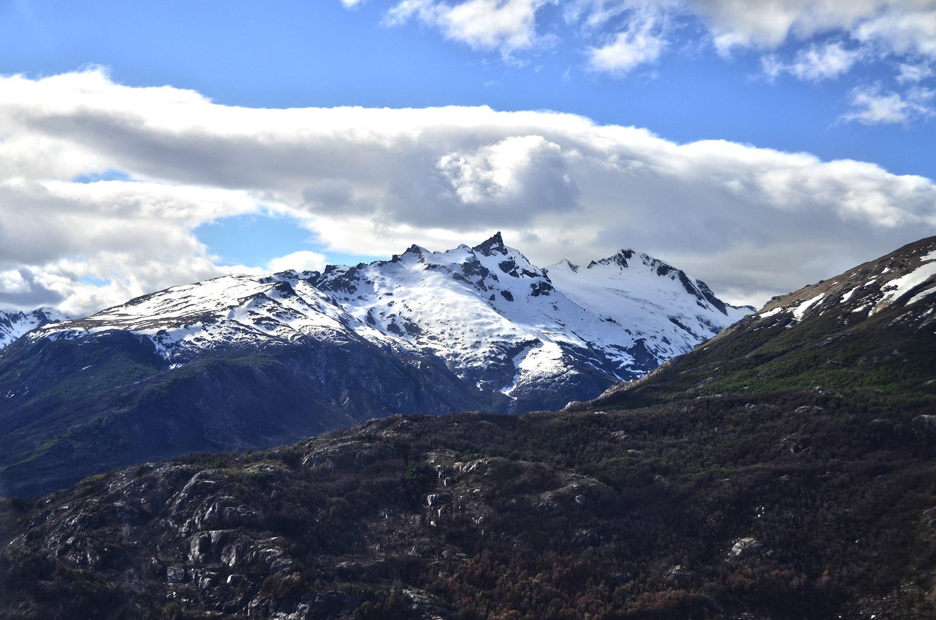 El fotógrafo y piloto Matías Arbotto sobrevoló la Patagonia y logró acercar una visión poco frecuente de la región