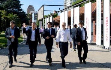 El presidente Mauricio Macri visita las instalaciones del Espacio Memoria y Derechos Humanos ubicado en el predio donde funcionó la Escuela de Mecánica de la Armada (ESMA)