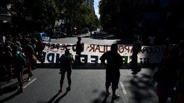 Todos los accesos a Capital fueron bloqueados por Tupac Amaru, la Cámpora y Quebracho, entre otras organizaciones, que reclamaron por la liberación de la dirigente