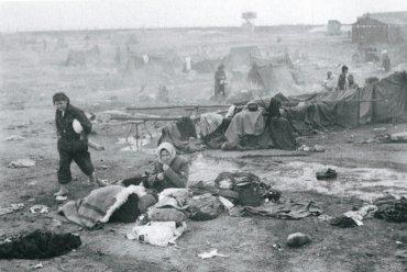 Bergen - Belsen fotografiado el 18 de abril de 1945, tres días después de la llegada de las fuerzas británicas