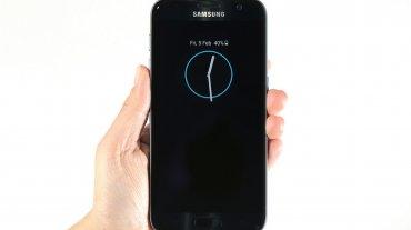 Agregan recarga rápida de batería en modo inalámbrico. La batería del S7 es de 3000 mAh y la del S7 edge de 3600