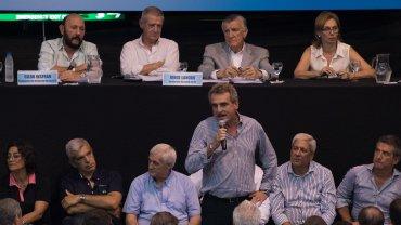 Rossi dijo que estaban a punto de avalar la reforma más vergonzosa de la historia del peronismo