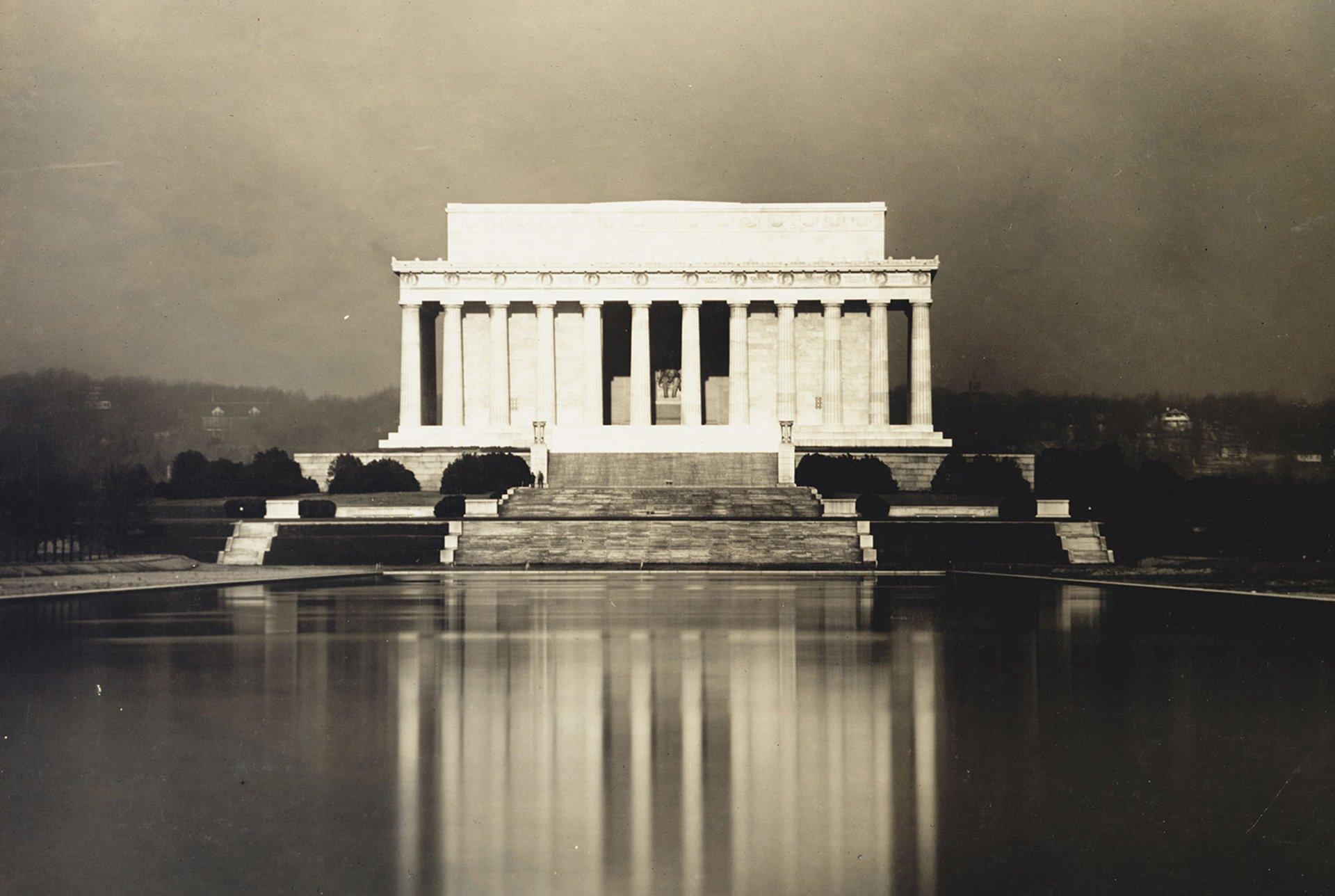 El Lincoln Memorial y su espejo de agua, 1923.