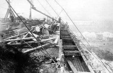 La construcción del monumento se inició en enero de 1915.