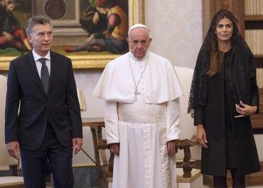 Mauricio Macri, el Papa Francisco y la primera dama, Juliana Awada