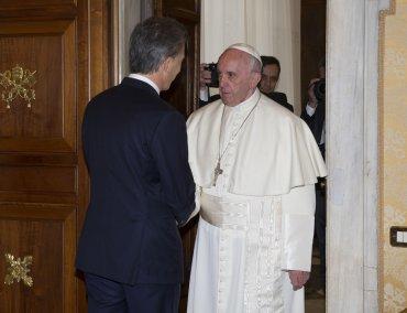 Jorge Bergoglio le anticipó al Presidente que no vendrá al país este año pero que lo hará lo antes posible