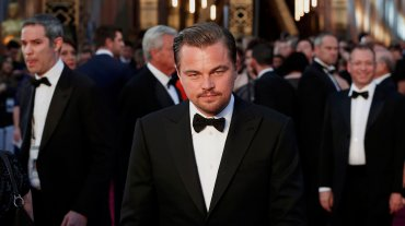 Leonardo DiCaprio fue muy elegante a la espera de conseguir su tan ansiado Oscar.