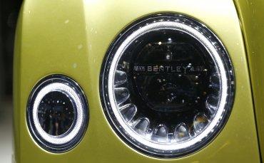 Detalle de una de las luminarias del nuevo Bentley Mulsanne EWB
