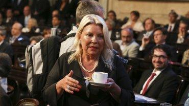 Elisa Carrió felicitó al Presidente por su discurso