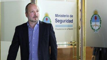 El líder de Nuevo Encuentro, Martín Sabbatella, se reunió esta tarde con la ministra de Seguridad, Patricia Bullrich, a quien le transmitió su preocupación y le reclamó que se esclarezca lo antes posible el ataque a tiros a militantes de su agrupación el sábado último en Villa Crespo