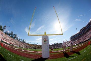 Rose Bowl (California, EEUU) . Construido en 1902, su capacidad para 92.500 espectadores los convierte en uno de los más grandes de Estados Unidos.